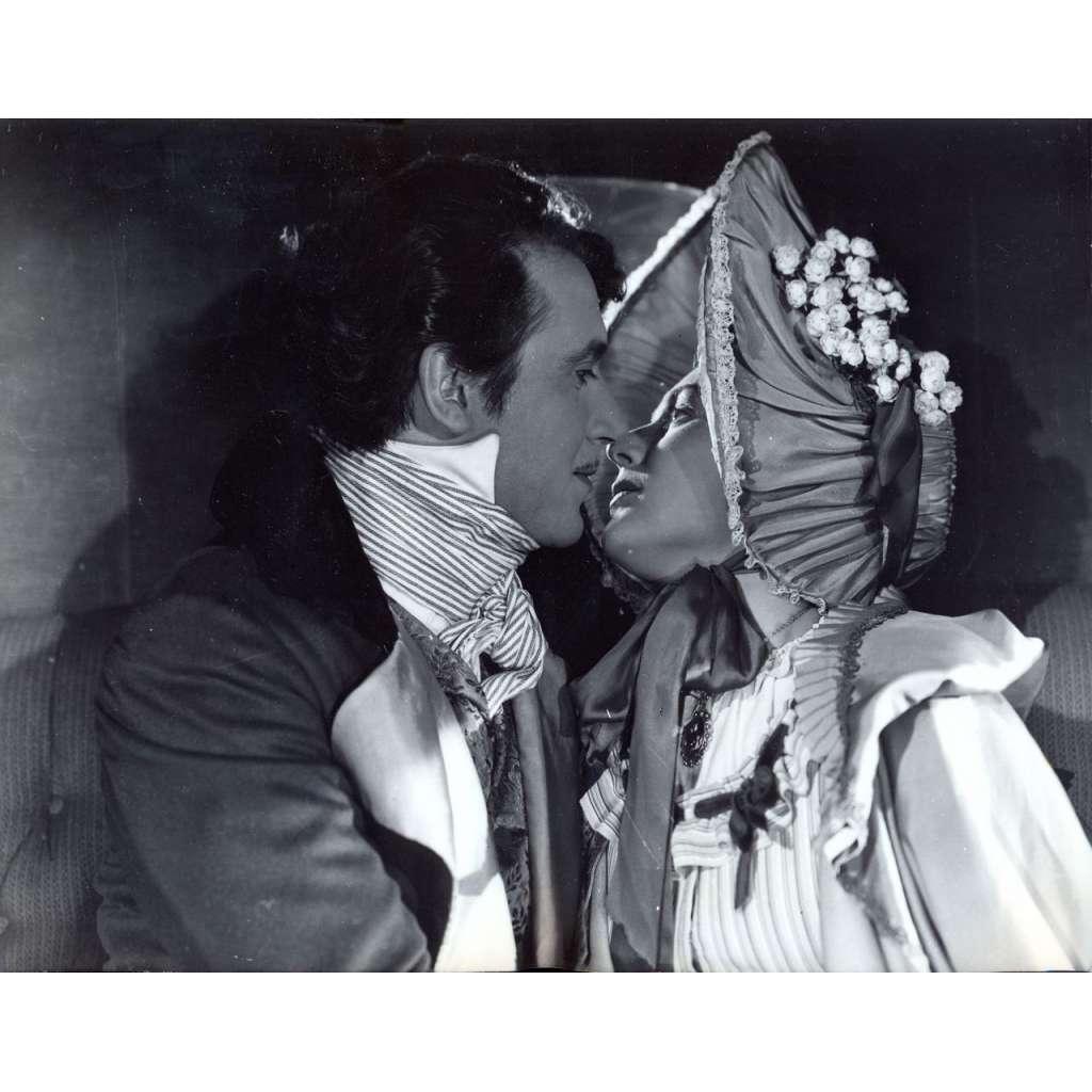 Fotoska - film Divotvorný klobouk (Radok)