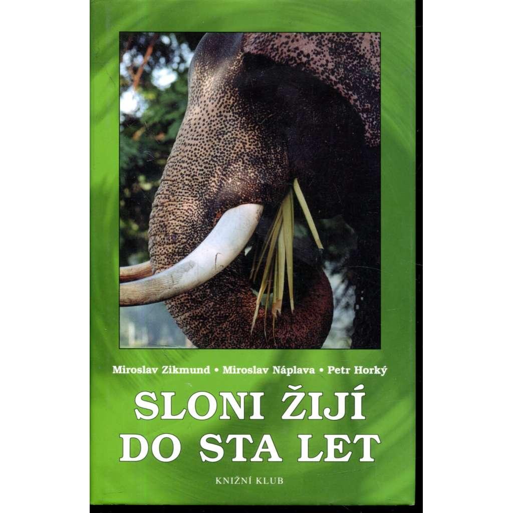 Sloni žijí do sta let