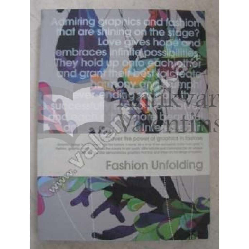 Fashion Unfolding:...