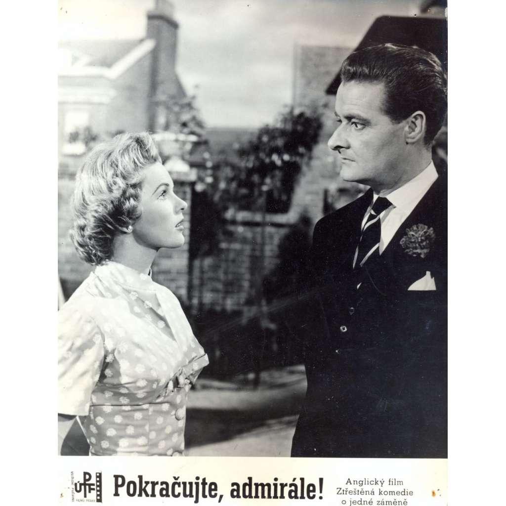 Fotoska - film Pokračujte, admirále! (Val Guest)