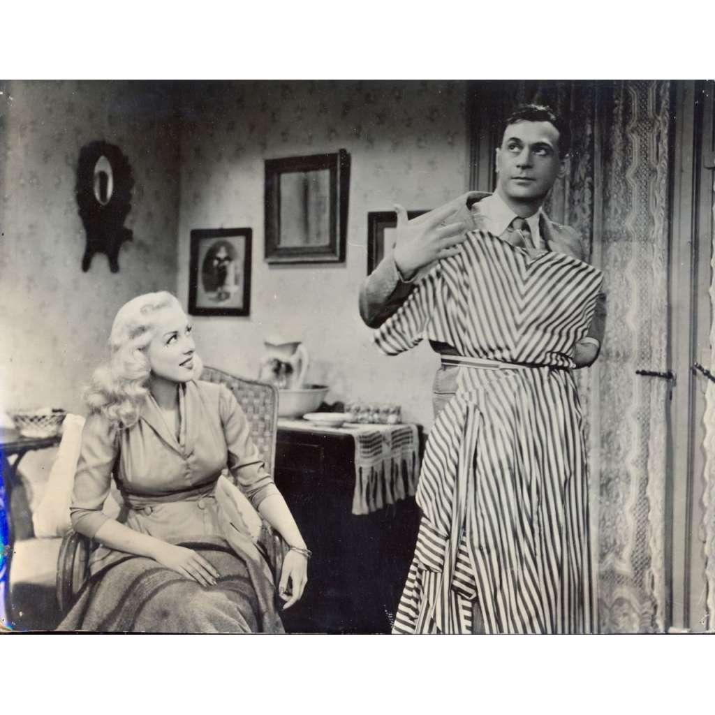 Fotoska - film Oženil jsem se s hvězdou (L. C. Amadori)