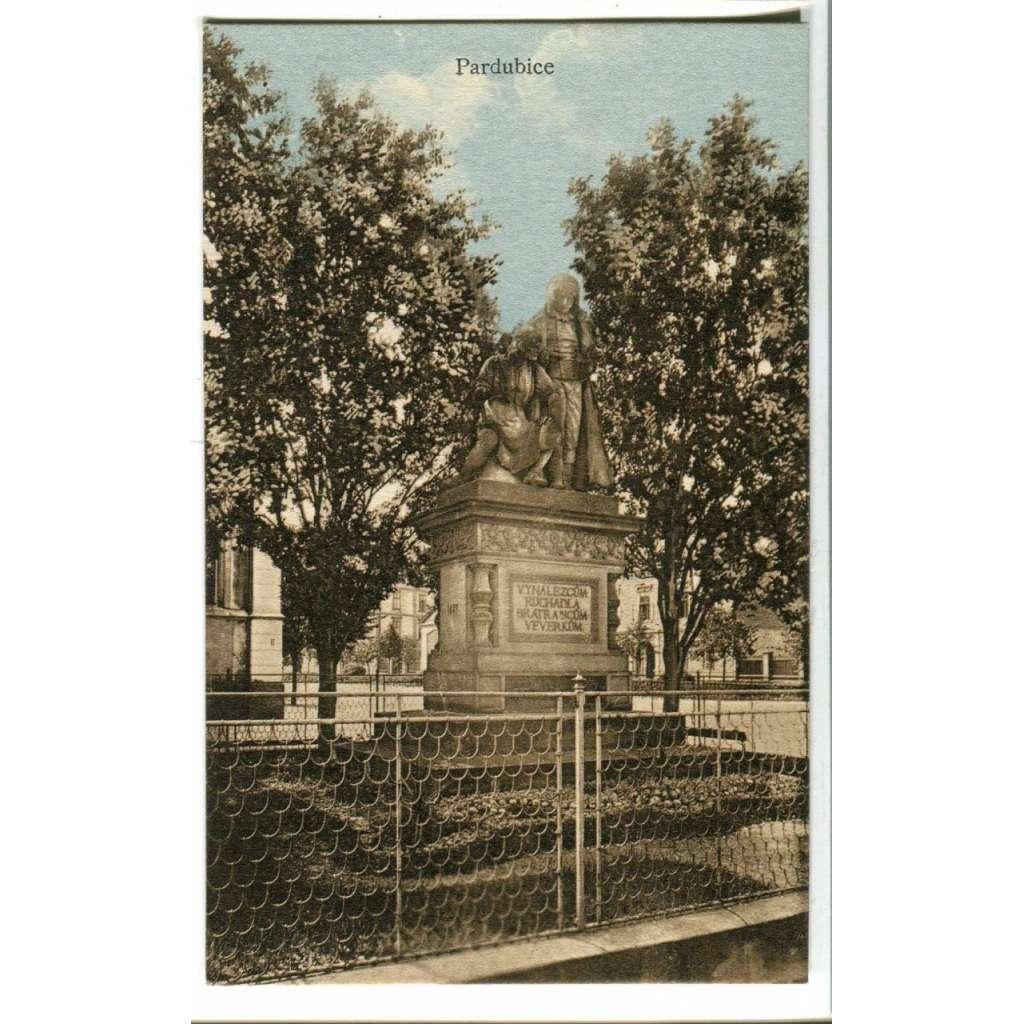 Pardubice, pomník