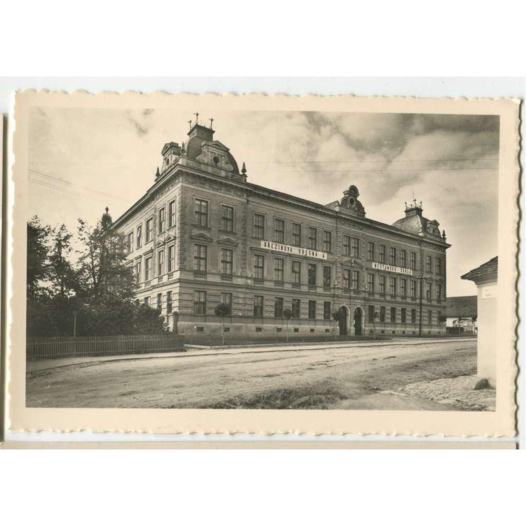 Jaroměřice nad Rokytnou, Třebíč, škola