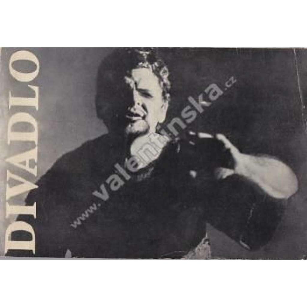 Divadlo - duben 4/1963