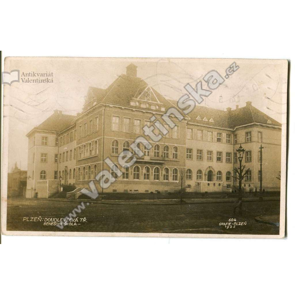 Plzeň, Doudlevecká ulice, škola